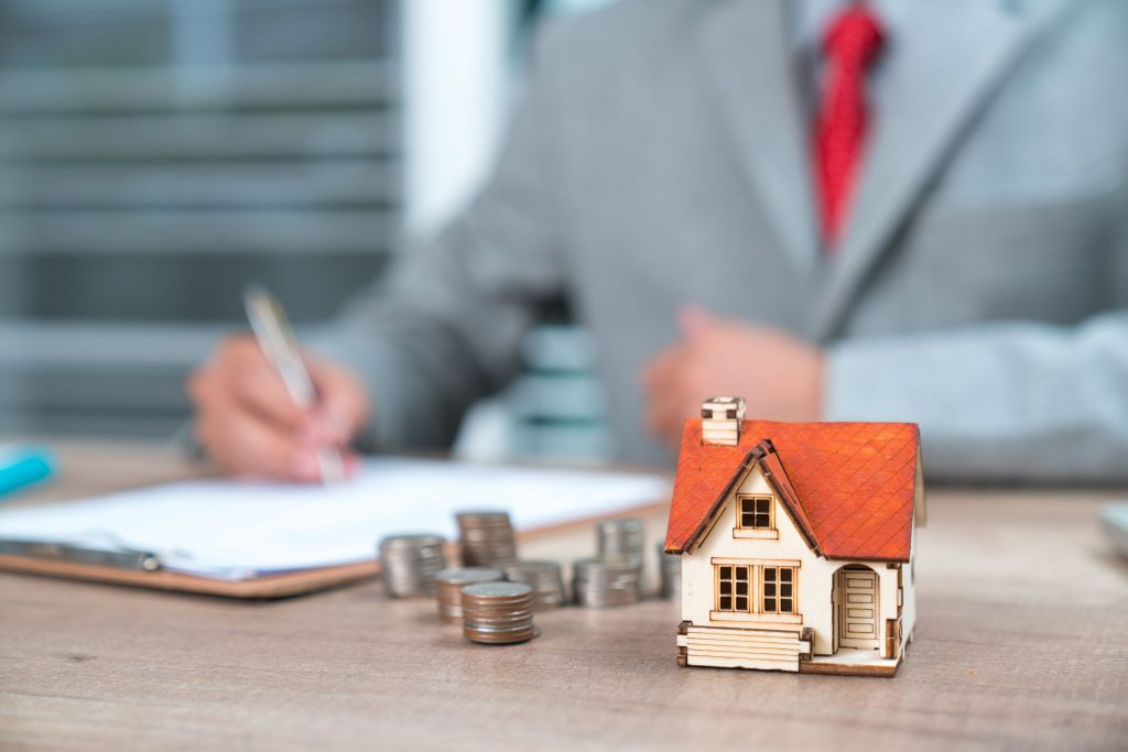 pick real estate agent