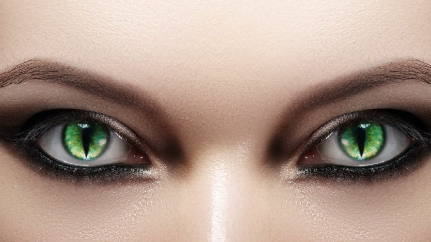 Change The Color of Your Eyes With Colored Contact Lenses