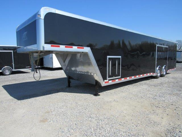 enclosed gooseneck trailer